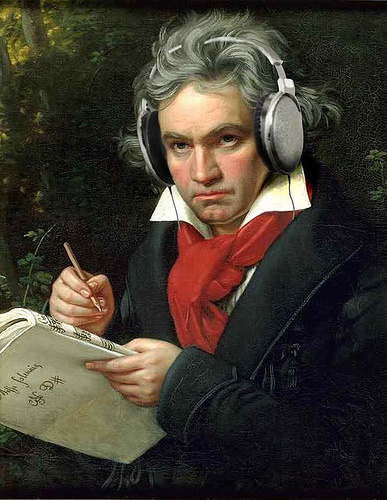 beethoven-with-headphones