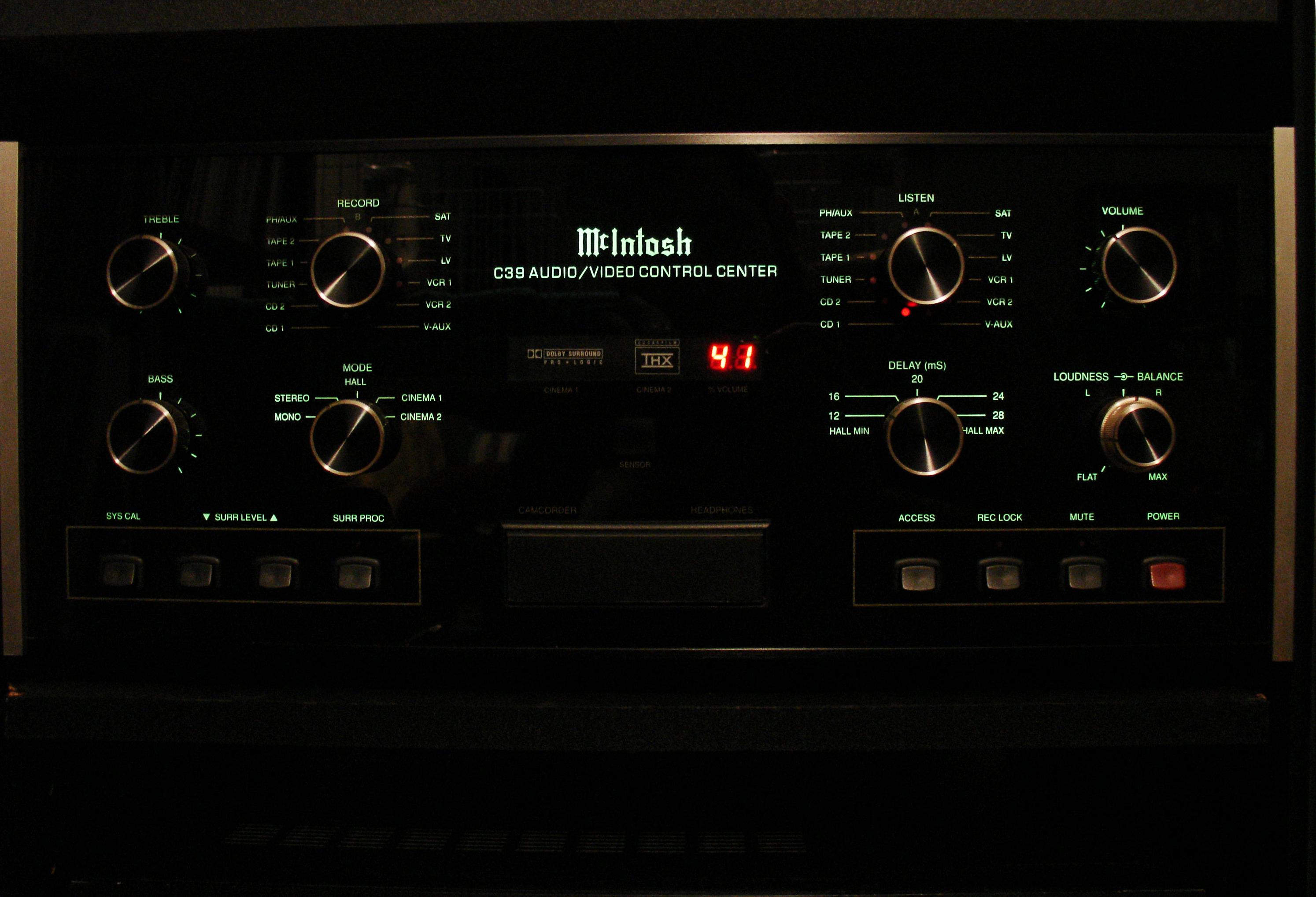 McIntosh C39 Pre-Amplifier.JPG